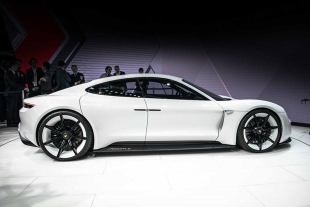 Porsche'den 600 beygirlik elektrikli otomobil