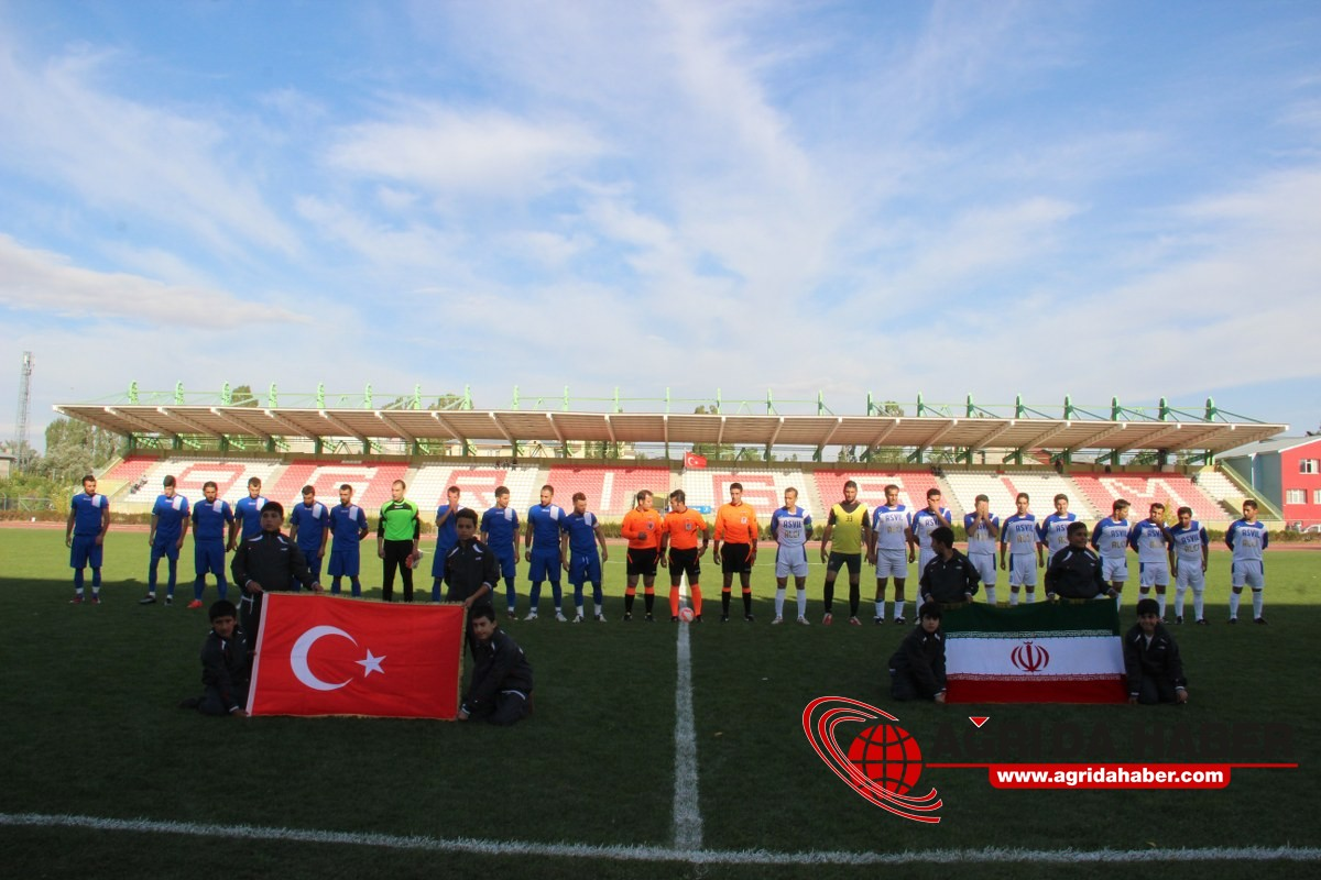 Ağrı Gençler birliği spor, İran'ın Maku kenti futbol takımını Maç Karele