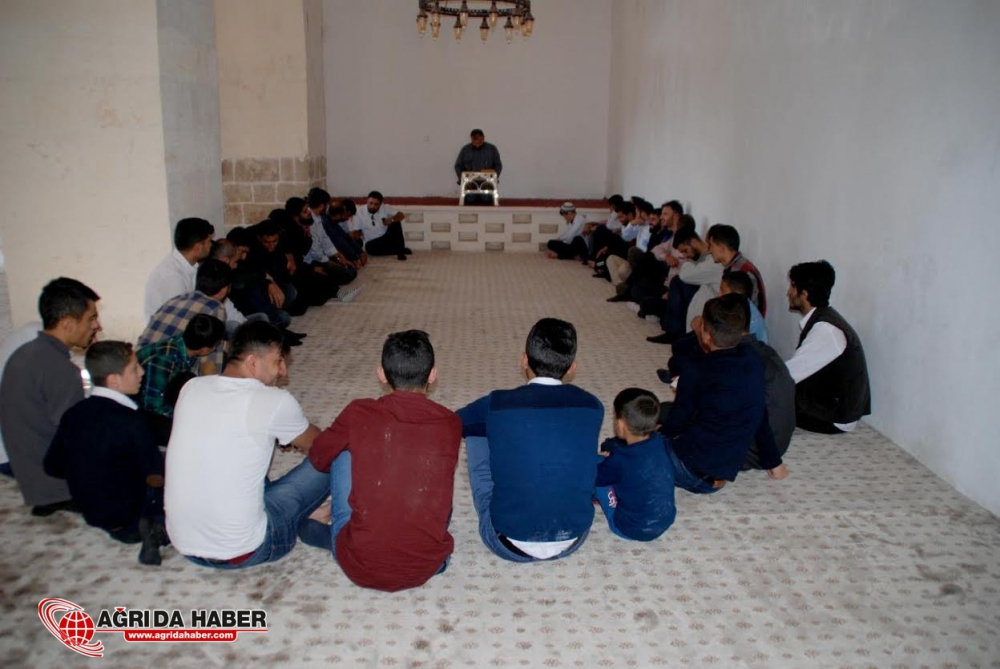 Ağrılı Risale-i Nur talebeleri 'Hor Hor Medresesi'nde