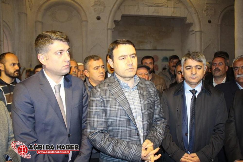 İshak Paşa Sarayı Camisi 100 Yıl Sonra İbadete Açıldı
