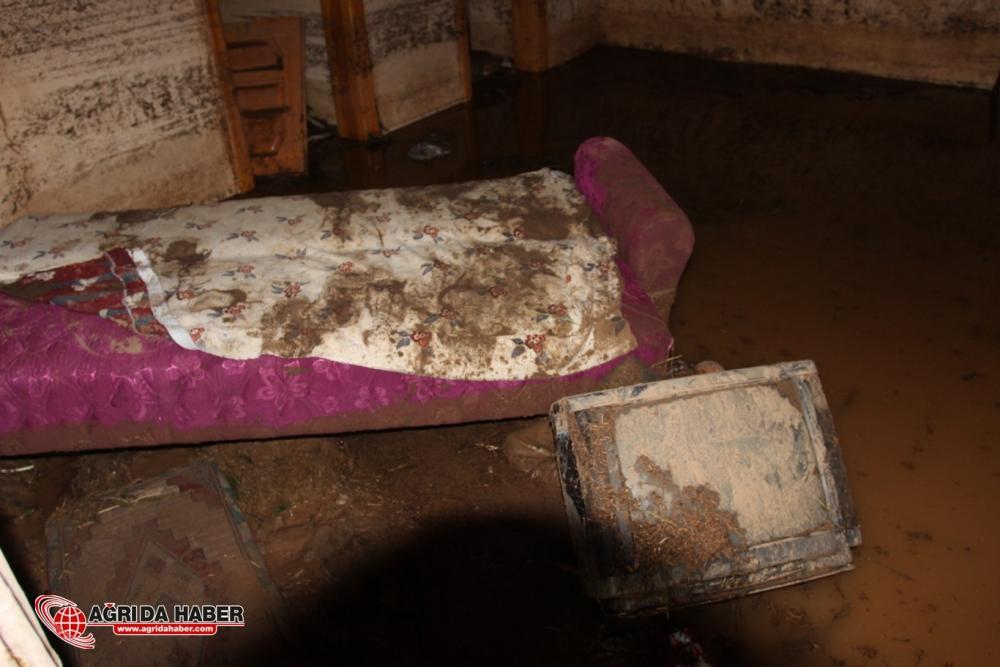 Ağrı'nın Hamur İlçesinde Yaşanan Sel Sonrası İlk Kareler