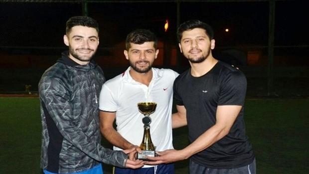 Ağrı Belediyesi tarafından düzenlenen ödüllü ayak tenisi turnuvası tamamlandı