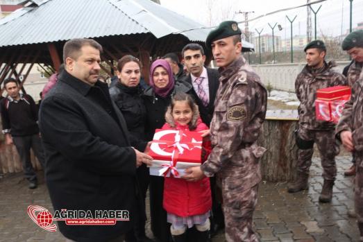 Ağrı'dan Afrin'e Gidecek olan PÖH'lere Uğurlama