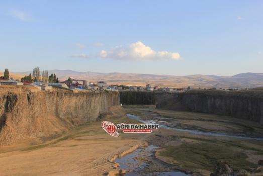 Diyadin'in Doyumsuz Manzarası: Diyadin Kanyonları