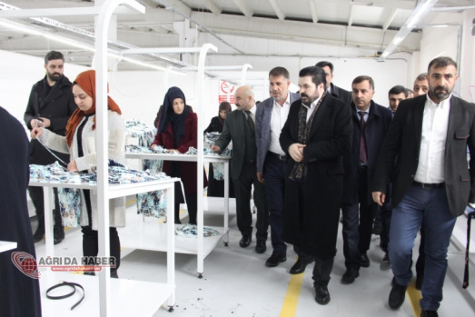 Ağrı'nın Tekstil Markası ''SNİP TEKSTİL''de  Diploma Töreni