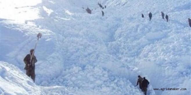 Köy Çığ Altında Kaldı; 108 Ölü