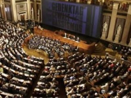 Tartışmalı 'İslam Yasa Tasarısı' Meclisten Geçti!