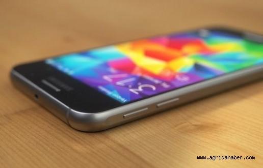 İşte Galaxy S6'nın ekran görüntüleri ve indirebileceğiniz bazı sistem dosyaları