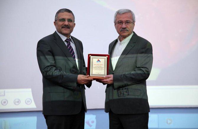 A.İ.Ç.Ü 'İstiklal Marşı Ve Mehmet Akif Ersoy' Programı Düzenlendi