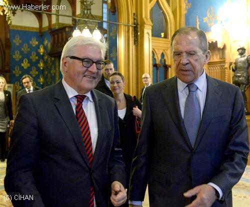 Lavrov: Cenevre Görüşmelerinde Rejim Değişikliği Hedefleniyor