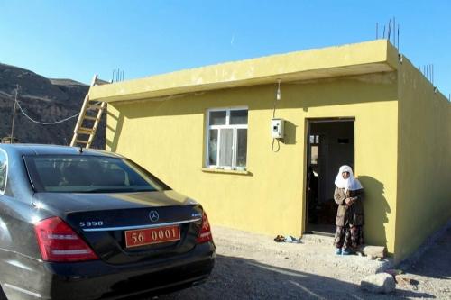 Siirt'te Yaşlı Kadına SYDV Ev Yaptı