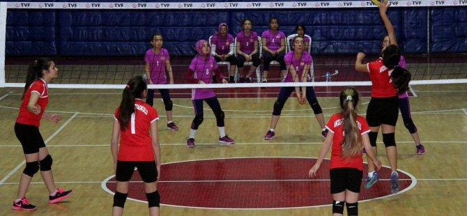 Okullararası Voleybol Küçükler Yarı Final Şampiyonası