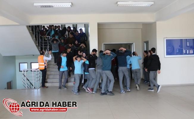 Ağrı Devlet Hastanesinde Deprem Tatbikatı