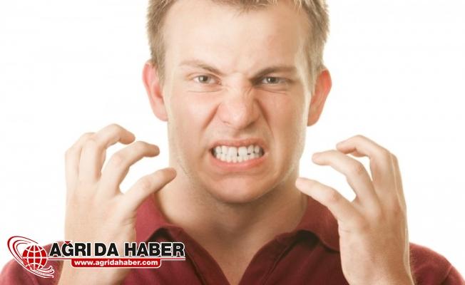Dişlerini Gıcırdatanlar Dikkat! En Büyük sebep Stres...