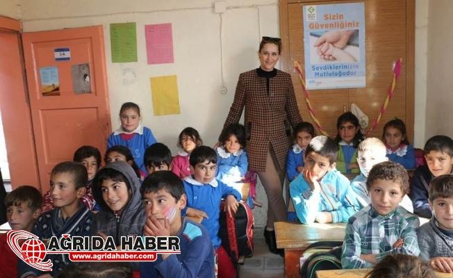 Diyadin Günbuldu Köyü İlkokulu'na Kırtasiye Malzemesi Desteği