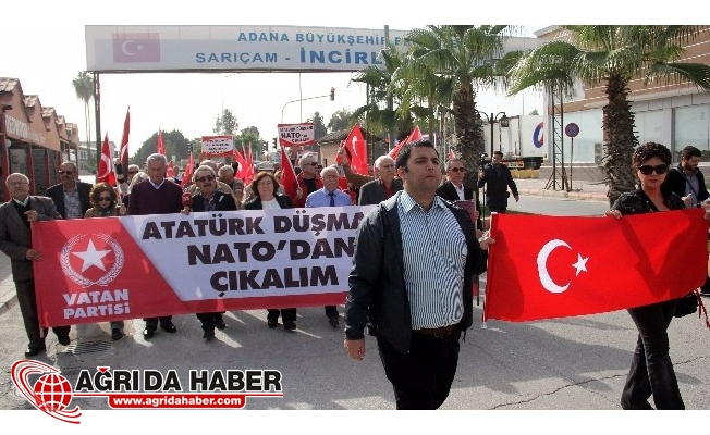İncirlik'te NATO protestosu