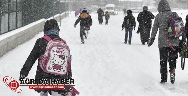 Ağrı'da Kar Yağışı Nedeniyle Eğitime 1 Gün ara verildi