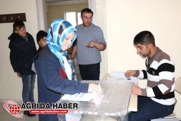 Bitlis'te Çocuk Meclisi Seçimleri Yapıldı