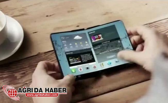 Samsung'un Katlanabilir Telefonu Çıkıyor !