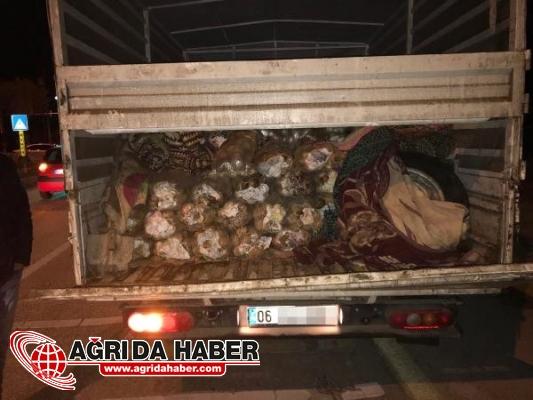 Van'da Patates Çuvalları Arasında 17 bin Paket Kaçak Sigara Yakalandı