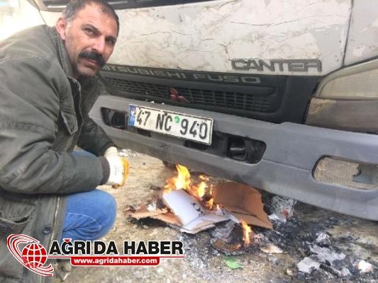 Yüksekova'da Araçların Depoları Dondu Araçları Ateş Yakarak Çalıştırdılar