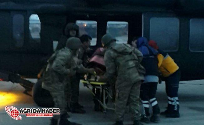 Ağrı'da Köyde Mahsur Kalan Hasta Kadına Askeri Helikopter Yetişti!