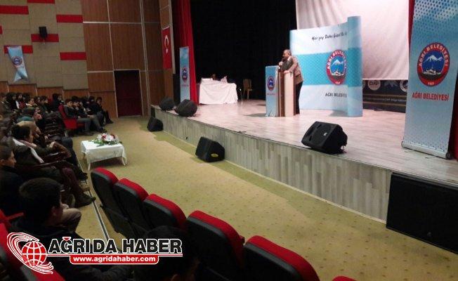 Ağrı Belediyesin'den Gelecek Gençlerle Başlar Konferansı