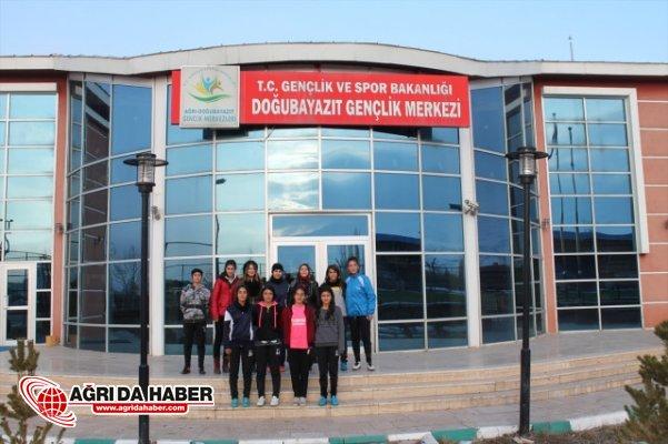 Ağrı Yıldız Kızlar Futsal Şampiyonları'ndan Sevgi Lordoğlu'na Ziyaret