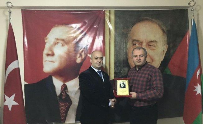 Araştırmacı Gasımov Asimder'i ziyaret  etti