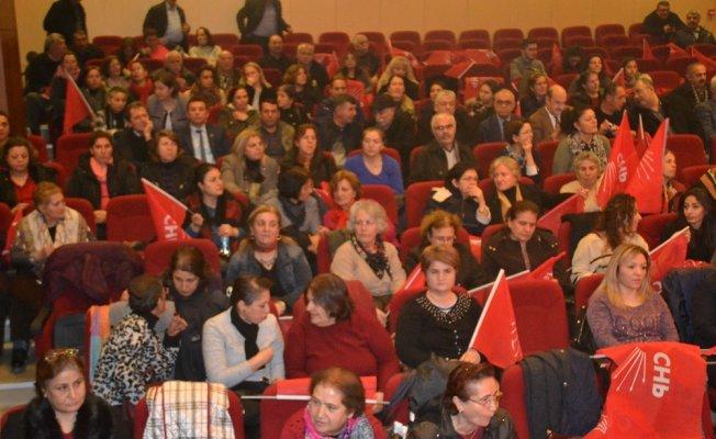 CHP İl Kadın Kollarında Başkan Tuncer güven tazeledi