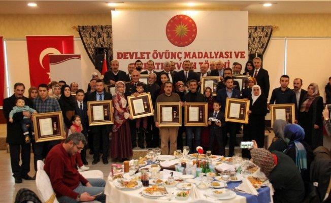 Elazığ'da şehit aileleri ve gazilere Devlet Ödünç Madalyası verildi