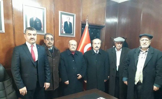 Emekliler Başkan Avşar'dan TOKİ evleri için yardım istedi