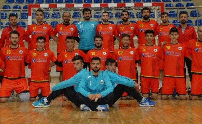 Erek Beş Yıldız Hentbol Takımı liderliğini sürdürüyor