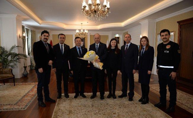 Gümrük çalışanları Vali Azizoğlu'nu ziyaret etti