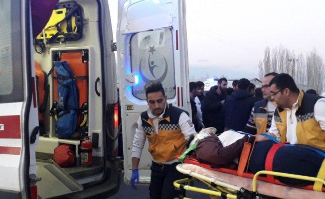 Iğdır'da trafik kazası: 2 ölü, 1 yaralı