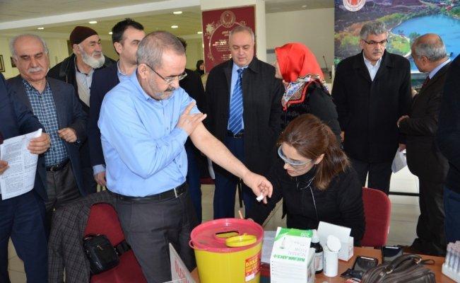 Memur-Sen'den Mehmetçikler için kan bağışı