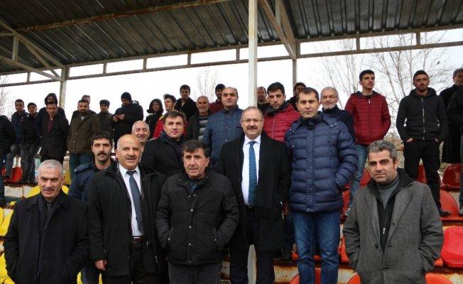 Milletvekili Deligöz, amatör futbol takımların maçını izledi