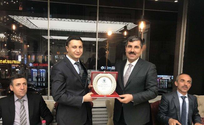Muş Belediyesi Personel Müdürü Güler'e veda yemeği