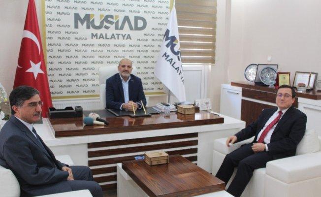 Rektör Kızılay'dan MÜSİAD 'a ziyaret