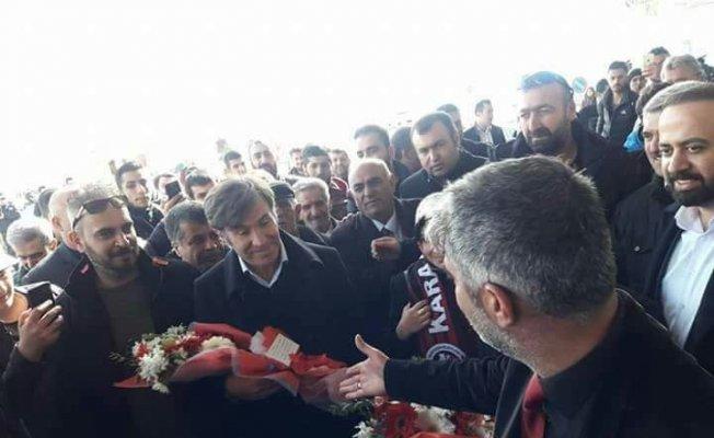 Taraftarlardan Van Büyükşehir Belediyespor'a coşkulu karşılama