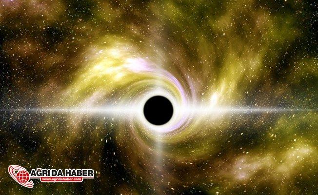 Uzayın Görünmeyenleri: Kara delikler