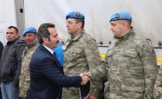 Vali Mantı, askerleri Afrin'e uğurladı