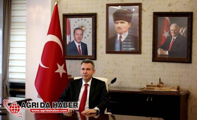 """Vali Süleyman Elban'dan """"10 Ocak Çalışan Gazeteciler Günü"""" Mesajı"""