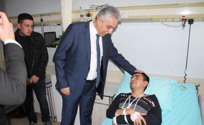 Vali Toprak yaralı askeri ziyaret etti