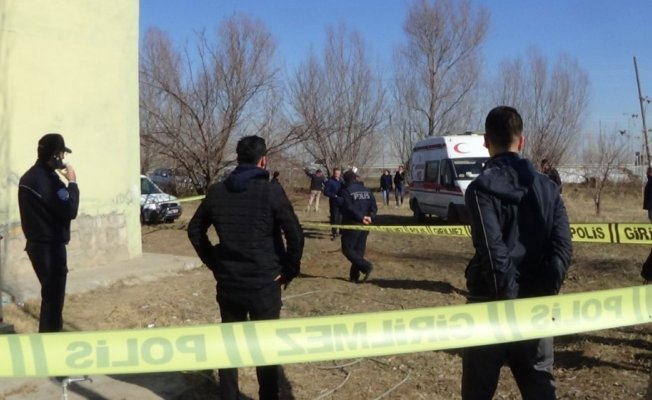 Iğdır'da 10 Çocuk Annesi olan Kadın 17 Yerinden Bıçaklandı!
