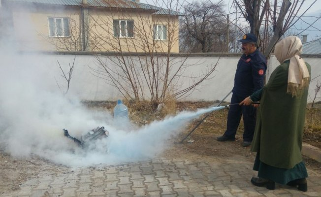 Adilcevaz'da öğretmenlere yangın tatbikatı
