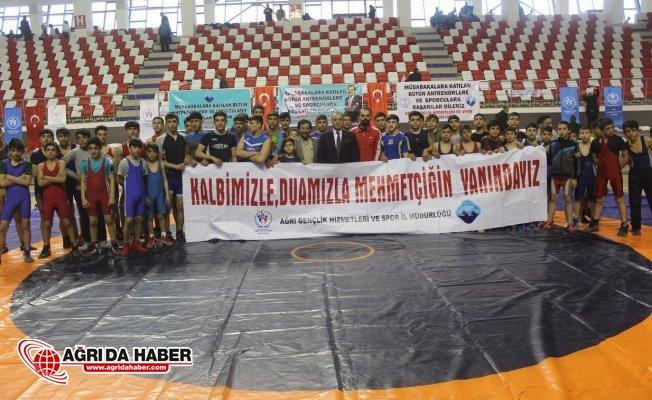 Ağrı'da İranlı Güreşçilerle Dostluk Müsabakası Yapıldı