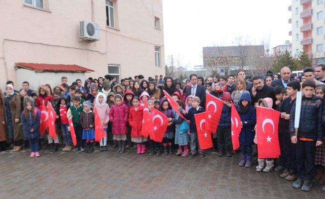 Ağrılı öğrencilerden Afrin'e gidecek PÖH'lere mektuplu uğurlama