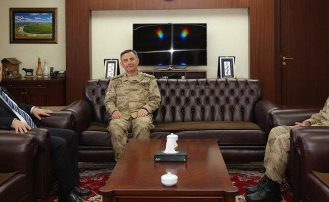 Albay Arslan'dan Vali Yıldırım'a ziyaret