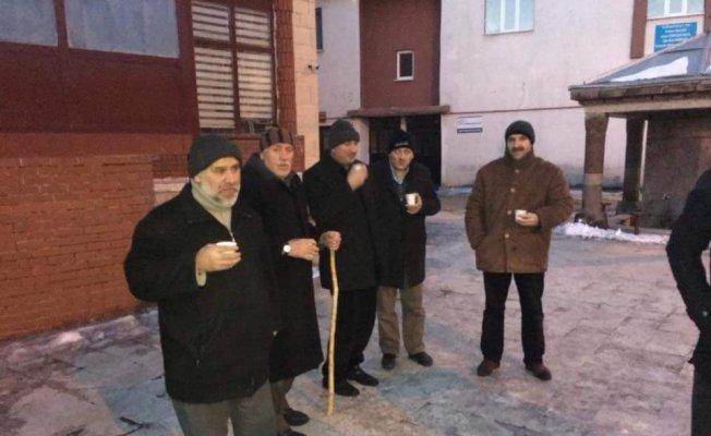 Ardahan Ülkü Ocakları Fırat Çakıroğlu için çorba dağıttı